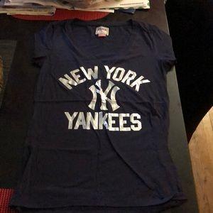NEW YORK YANKEE T SHIRT